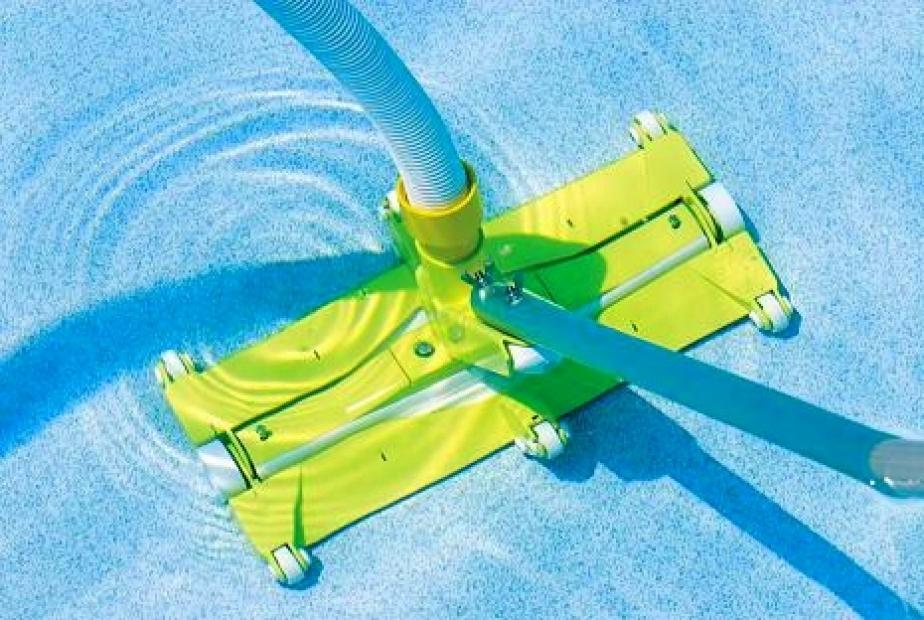 Aspiratore professionale aspirafango per pulizia piscine for Scopa per piscina