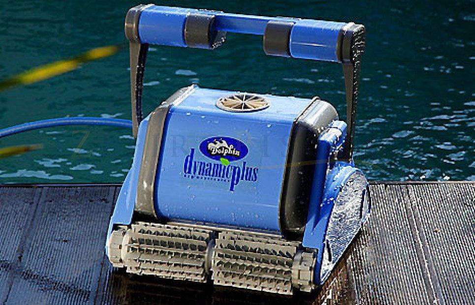 Dolphin dynamic plus digital maytronics robot pulitore for Intex robot piscine