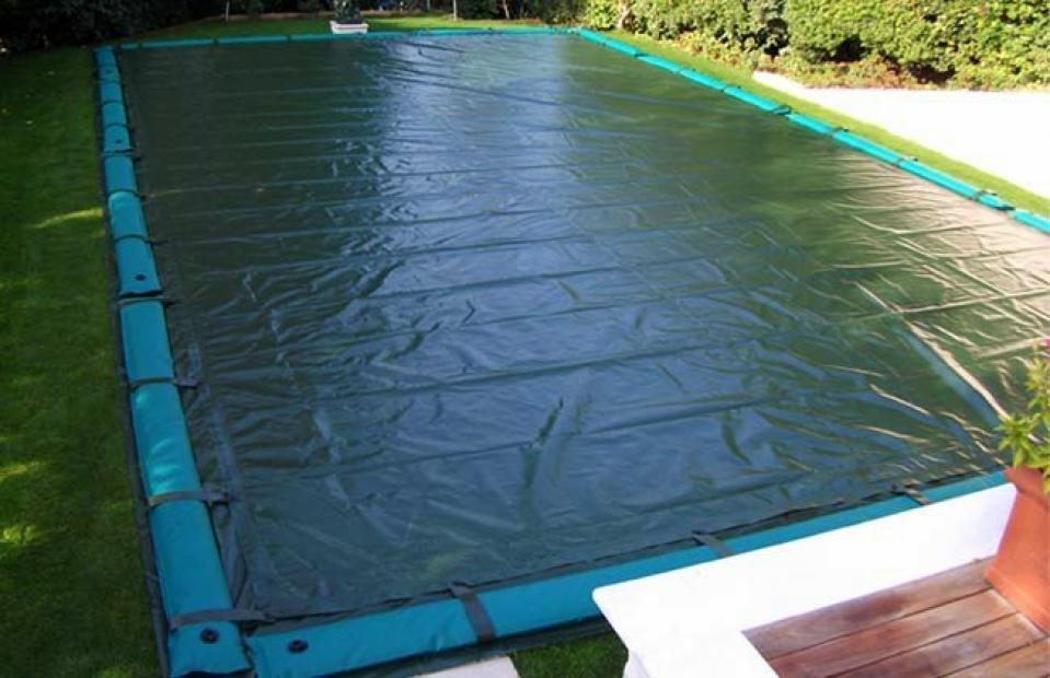 Telo di copertura invernale per piscina con tubolari for Teli per coprire piscine fuori terra
